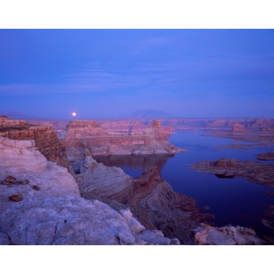 Lake Powell Moon, Utah
